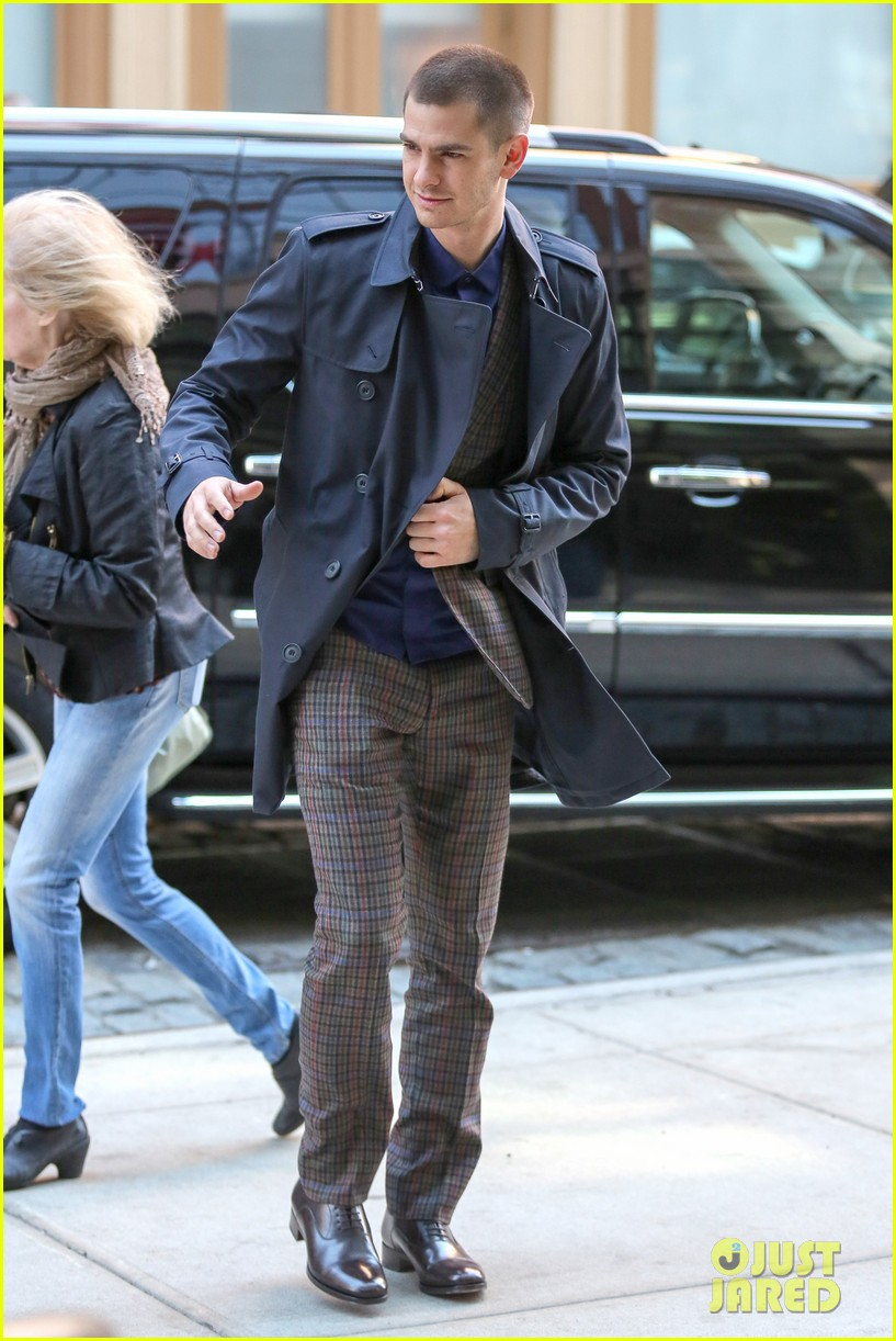 emma stone andrew garfield join amazing spider man 2 cast at gma 163098204