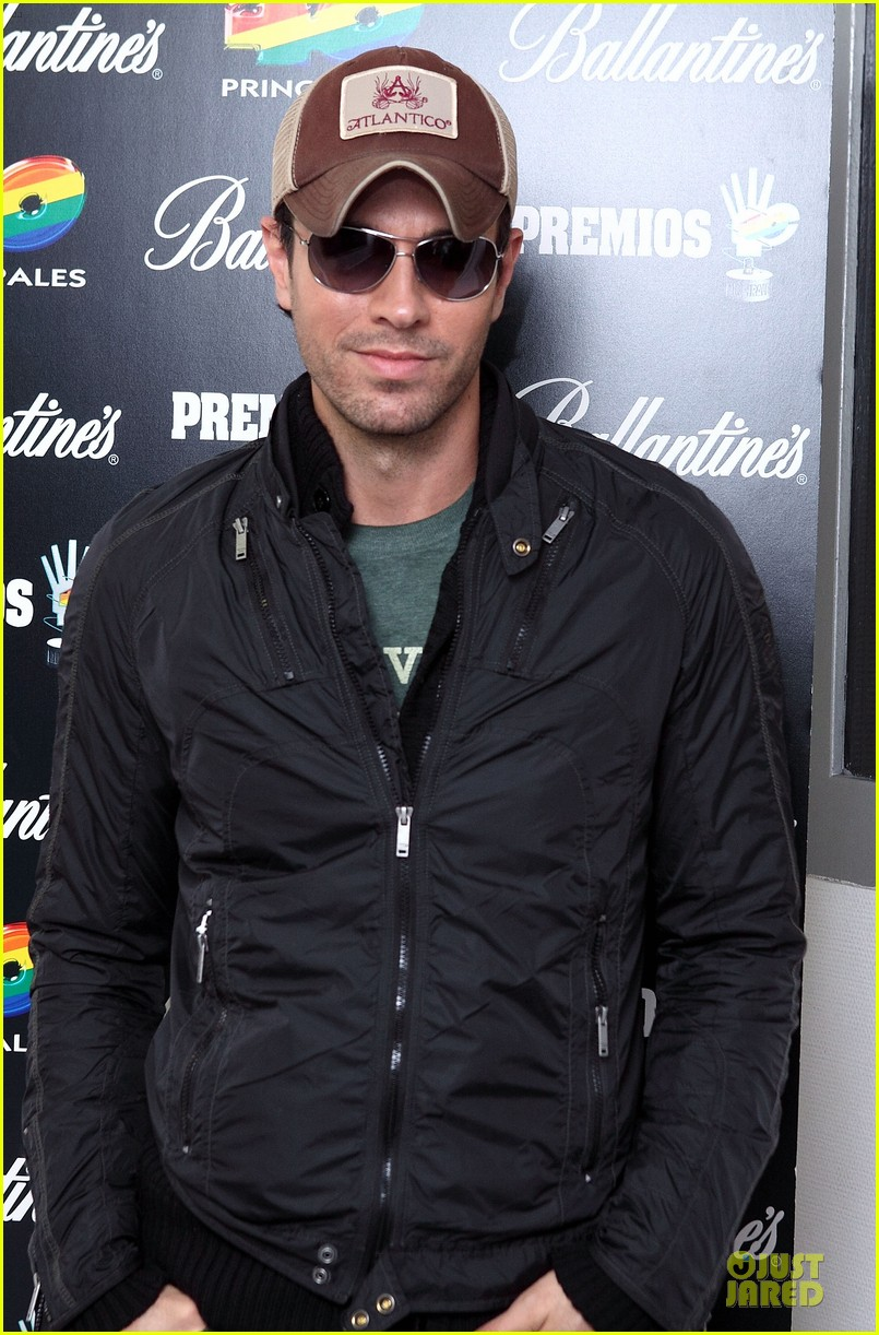 enrique iglesias consider being x factor judge 063082531