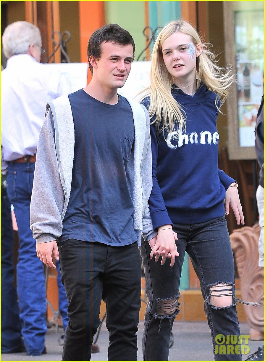 Elle Fanning And Boyfriend Elle Fanning & ...