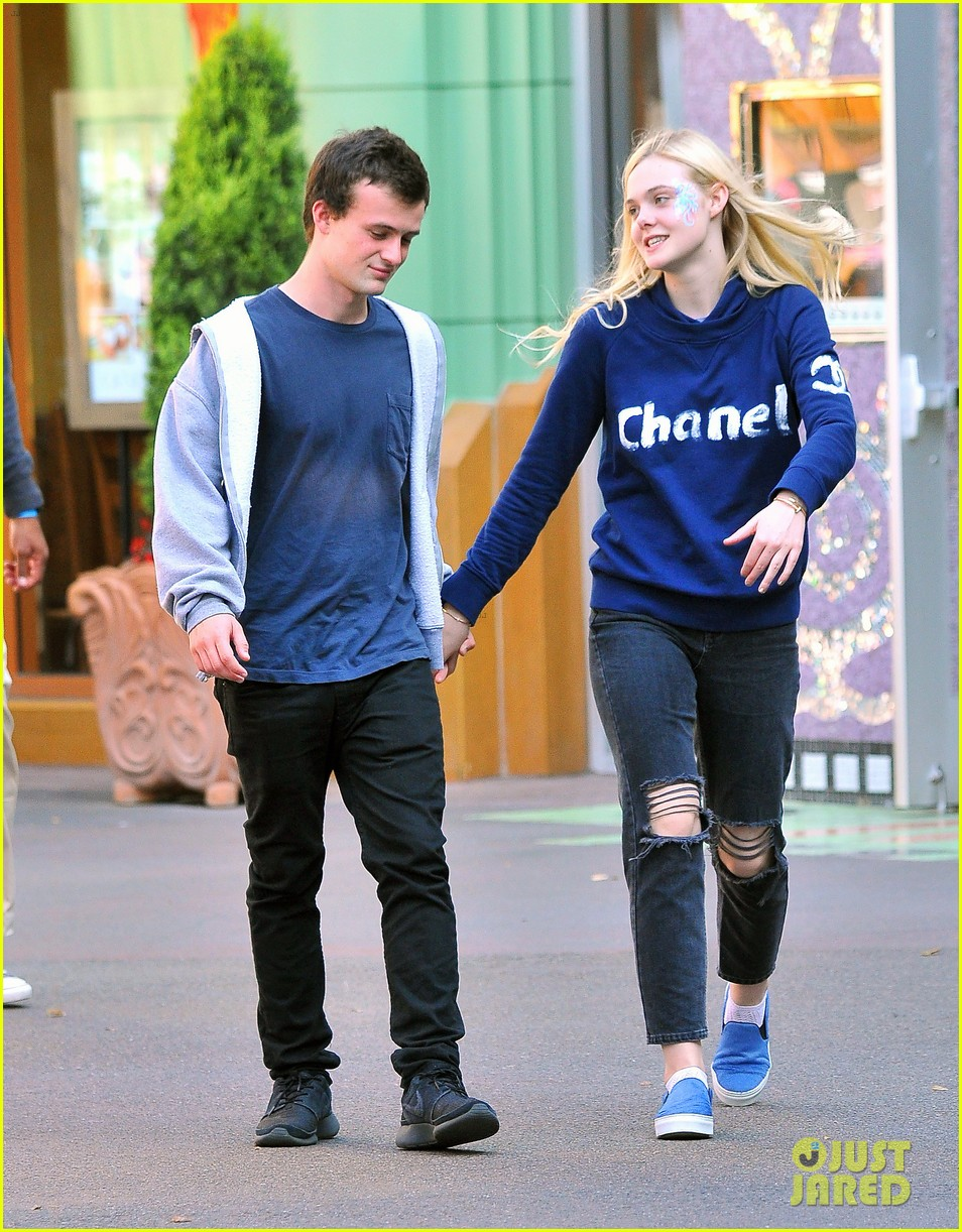 Elle Fanning And Boyfriend American Actress Elle ...