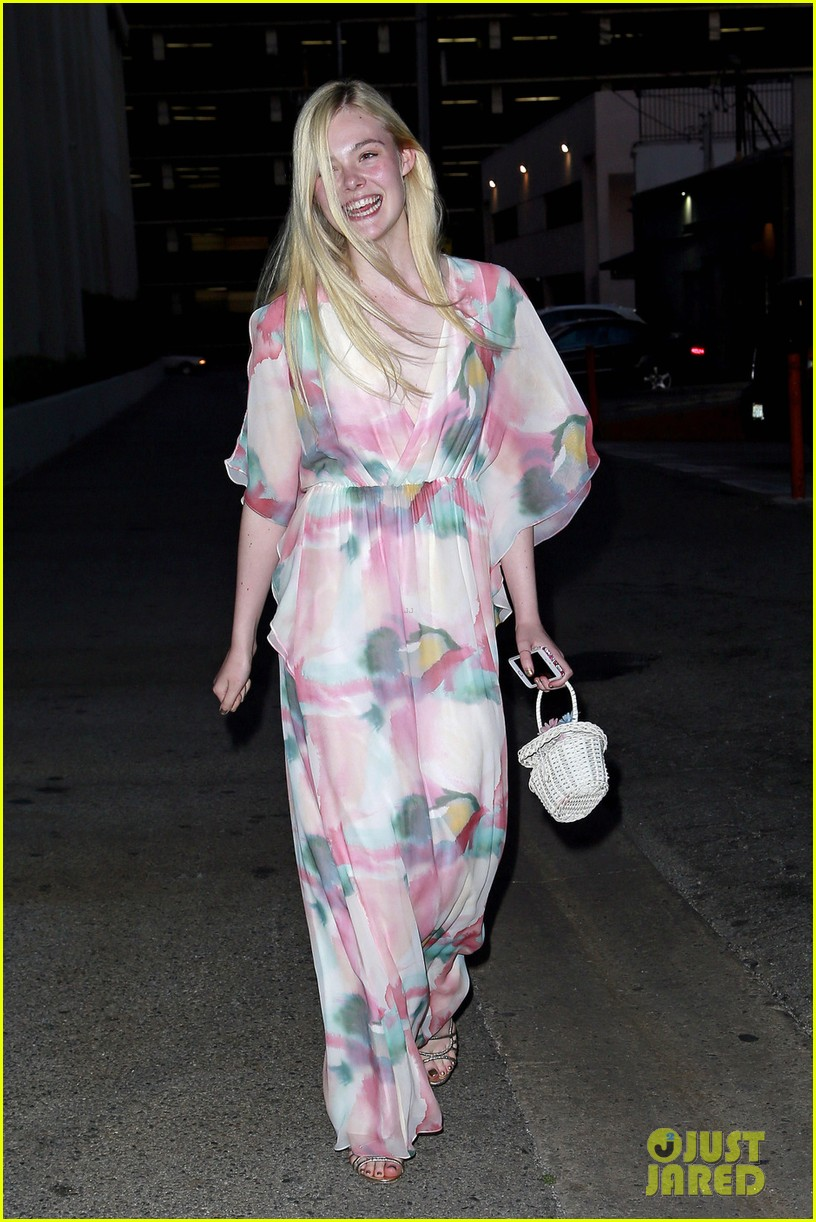 elle fanning it was a dream working with angelina jolie 013089173