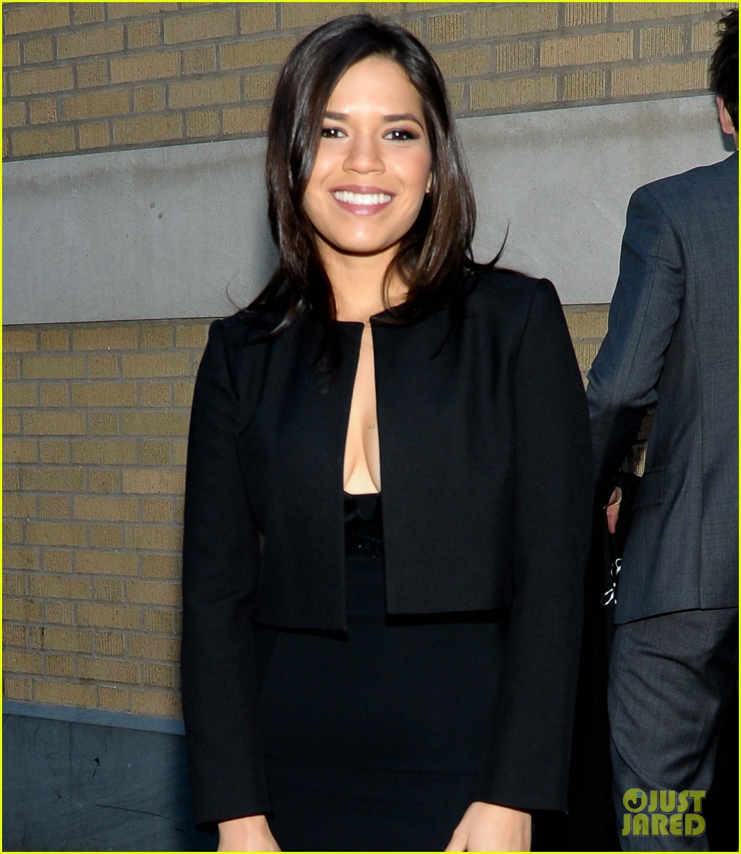 america ferrera husband ryan piers williams meet the actors session in nyc 053098144