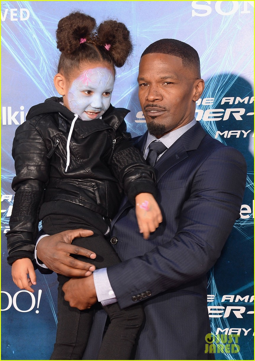 jamie foxx daughter wears electro makeup at amazing spider man 2 premiere 013098579
