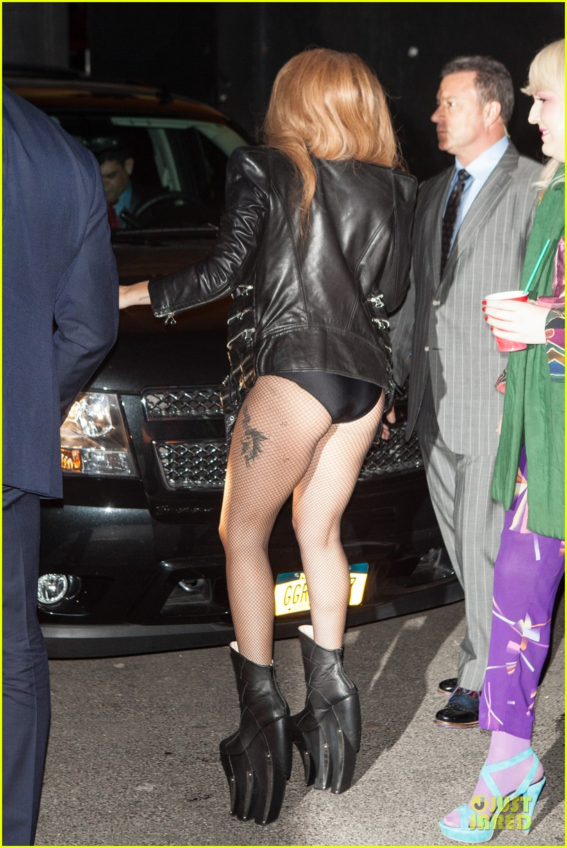 lady gaga revealing high waisted outfit 093082616