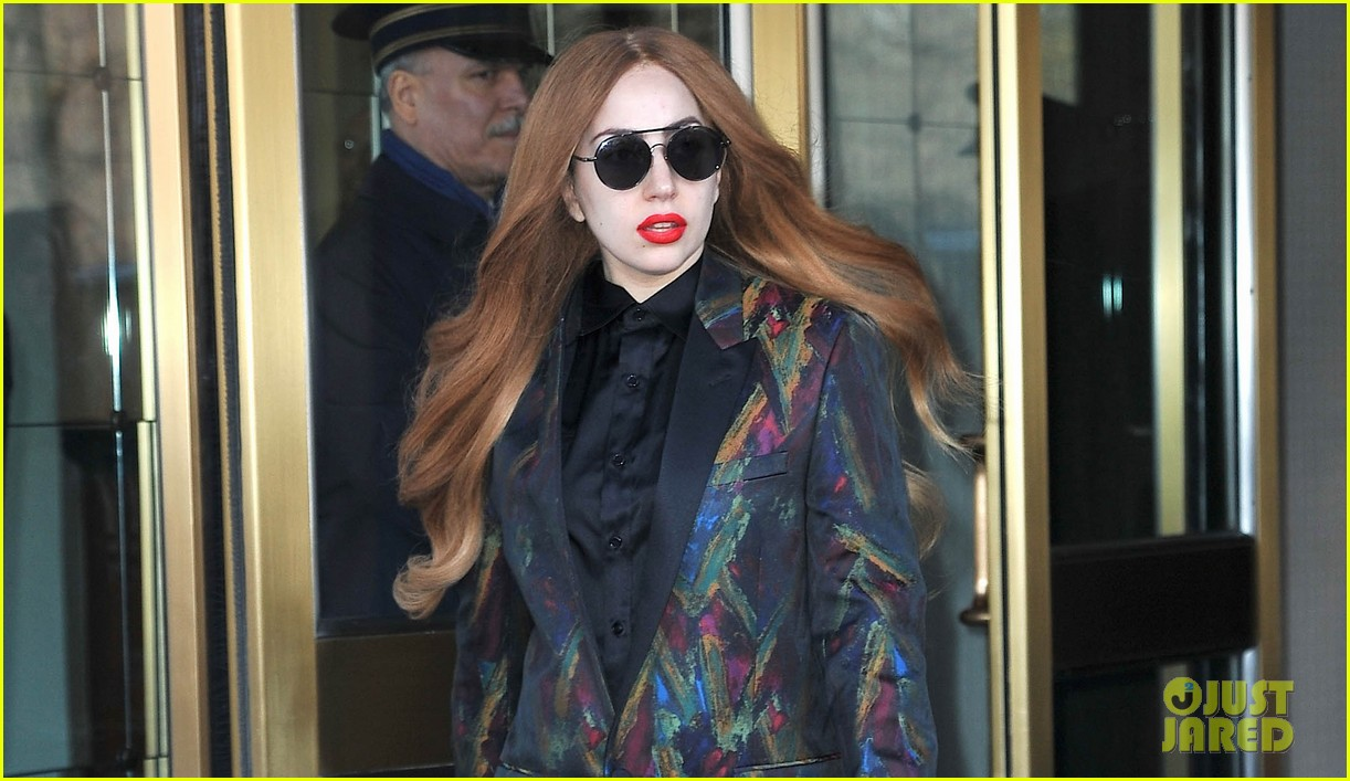 lady gaga promises artrave tour will be totally different show 033084518