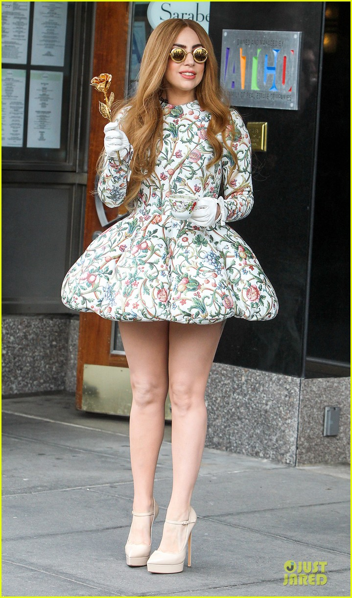 lady gaga musical talents at letterman 01