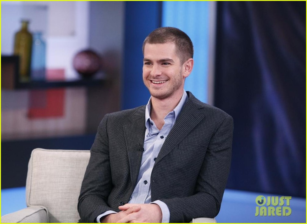 andrew garfield gushes about emma stone shes a genius 013100769