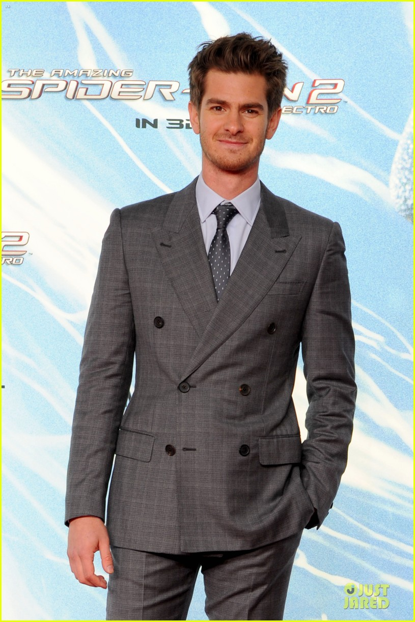 andrew garfield loves being naked 043092760