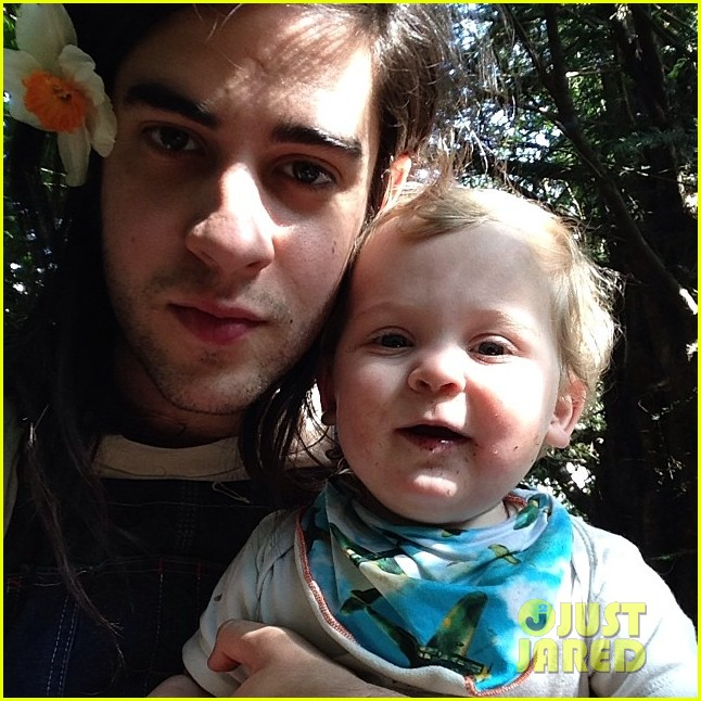 peaches geldof adorable moments with kids 023086365