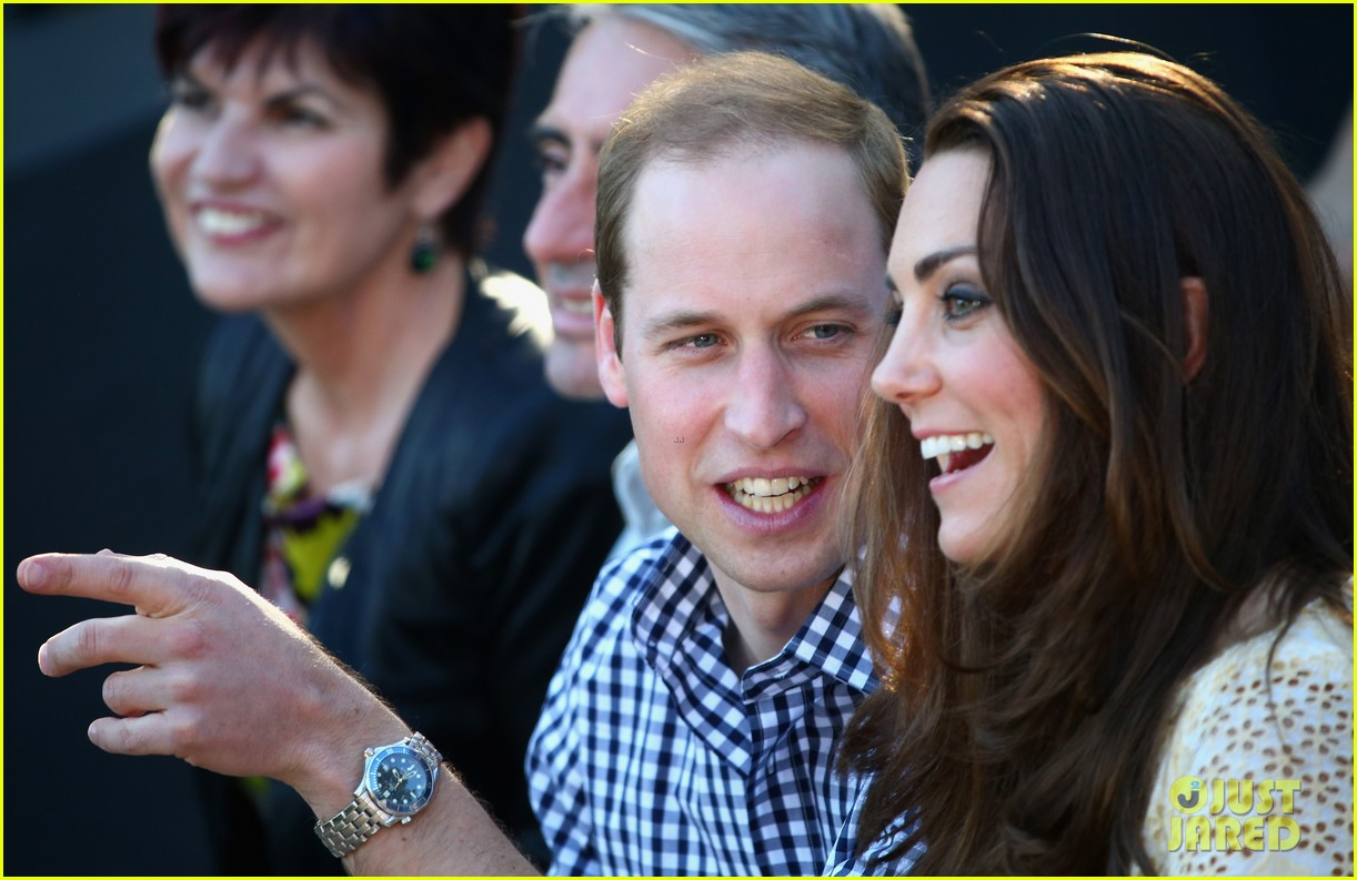 prince george goes to the zoo kate middleton prince william 253095526