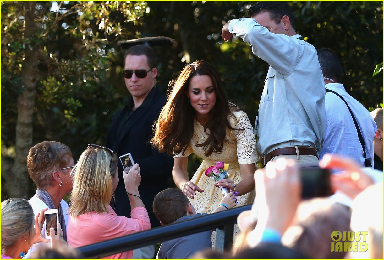 prince george goes to the zoo kate middleton prince william 323095533