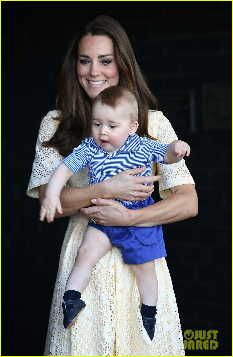 prince george goes to the zoo kate middleton prince william 333095534
