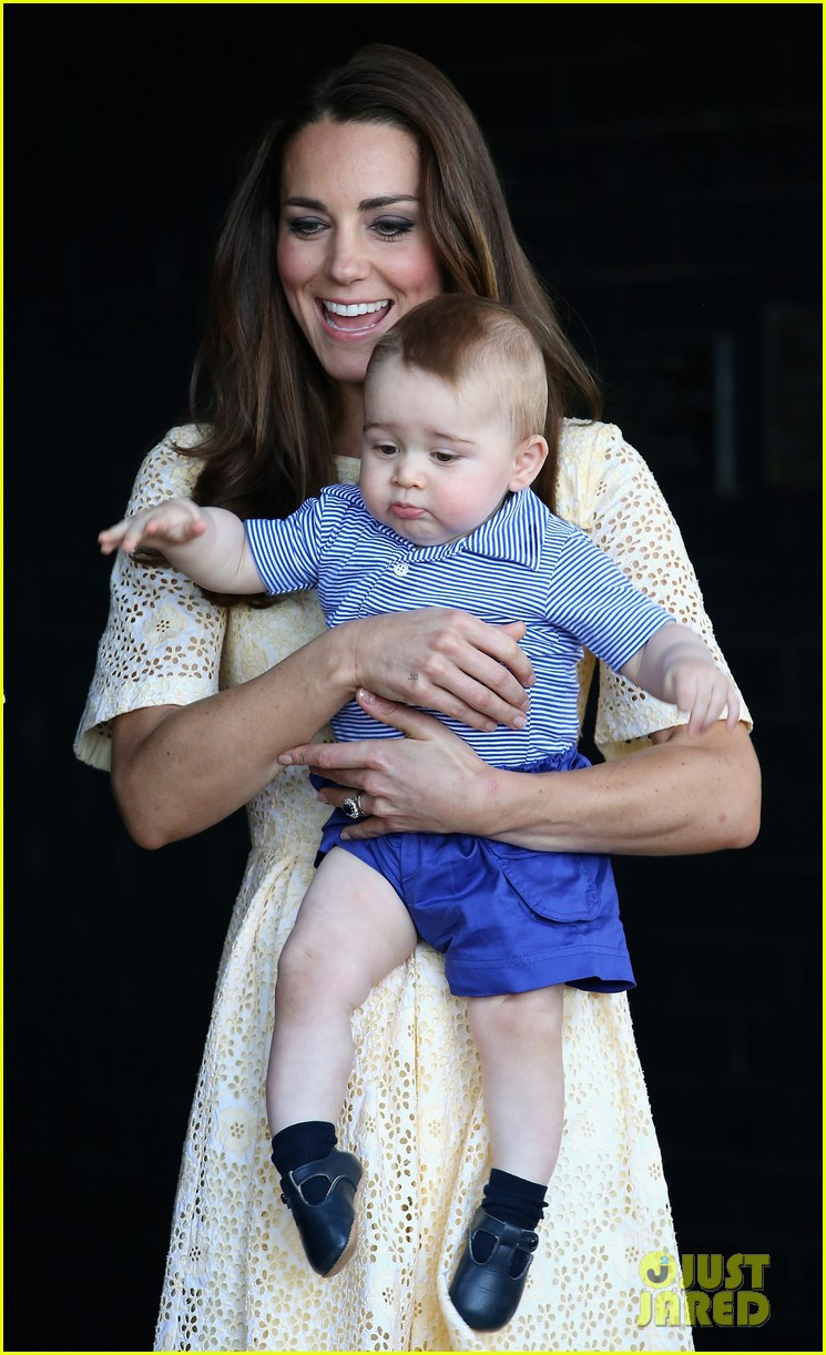 prince george goes to the zoo kate middleton prince william 353095536