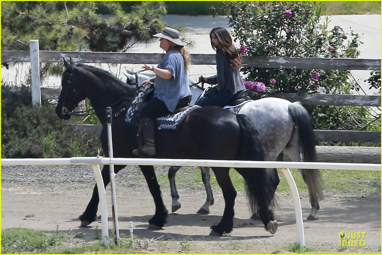 selena gomez good friday with a horse 06