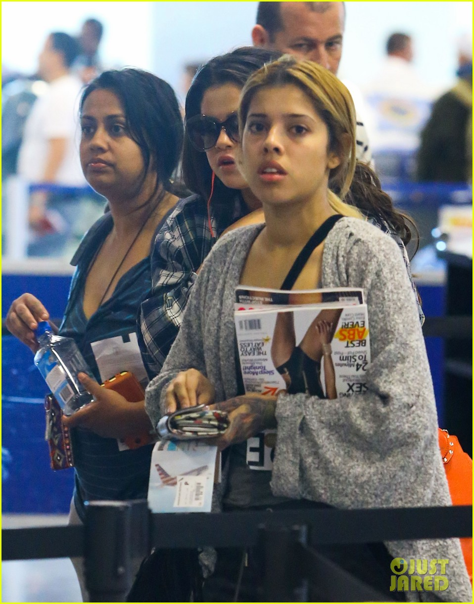 selena gomez leaves miami after spending time with justin bieber 013088405