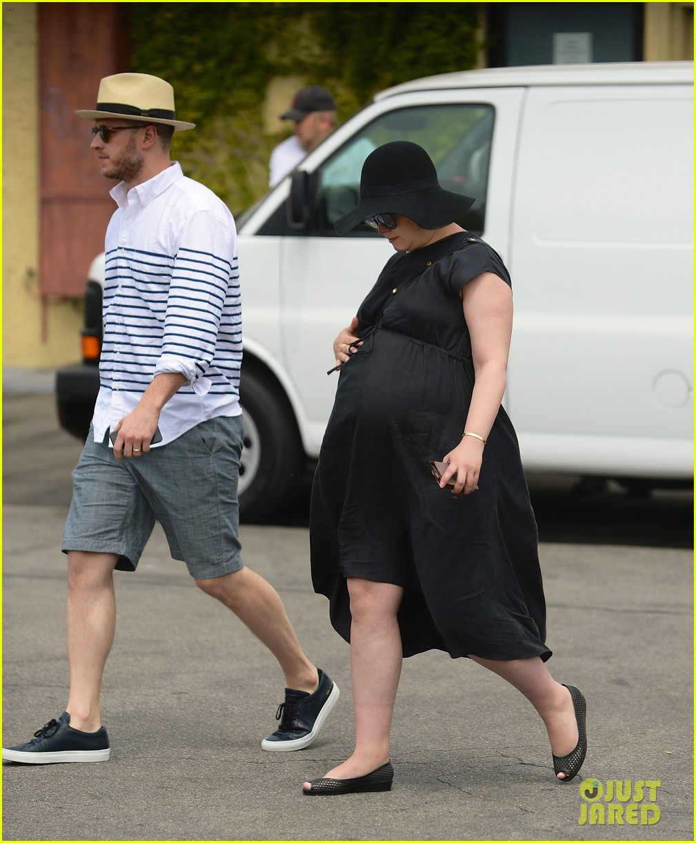 Ginnifer Goodwin S Pas Were Not Angry She Got Pregnant Before Getting Married