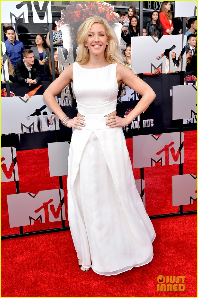 ellie goulding makes our hearts beat on mtv movie awards 2014 red carpet 01