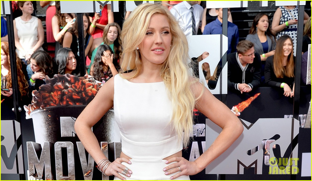 ellie goulding makes our hearts beat on mtv movie awards 2014 red carpet 023091089
