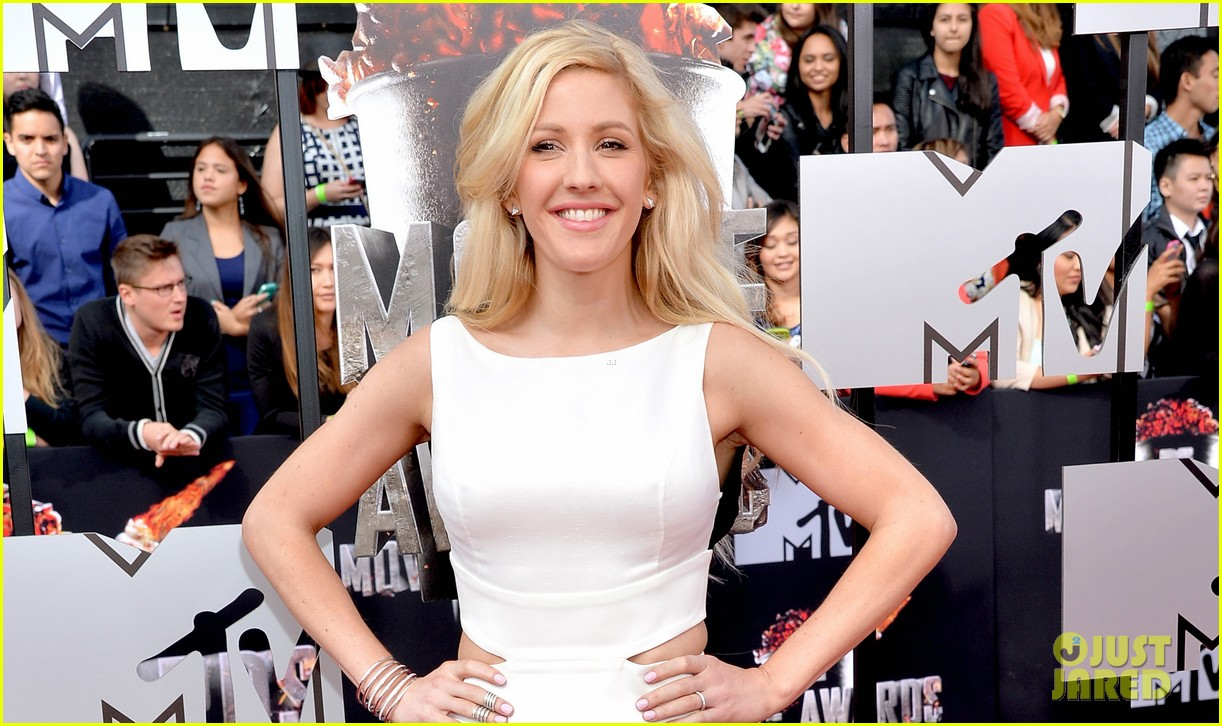 ellie goulding makes our hearts beat on mtv movie awards 2014 red carpet 043091091