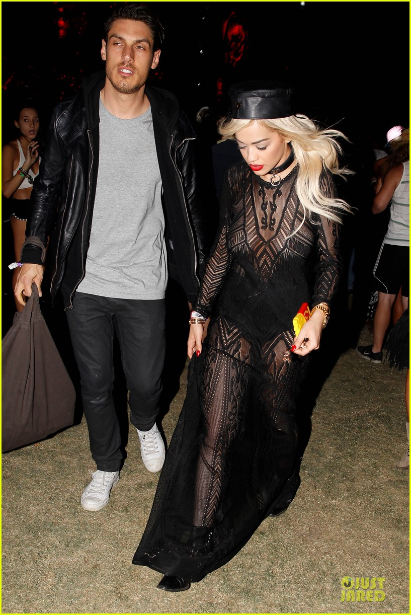 ellie goulding rita ora hang out at coachella 153089617