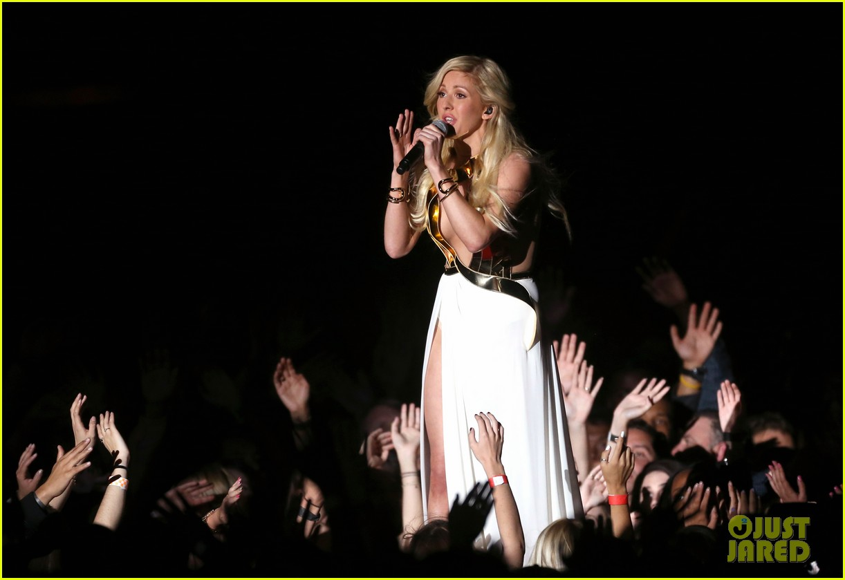 ellie goulding performs beating heart at mtv movie awards 2014 video 043091444
