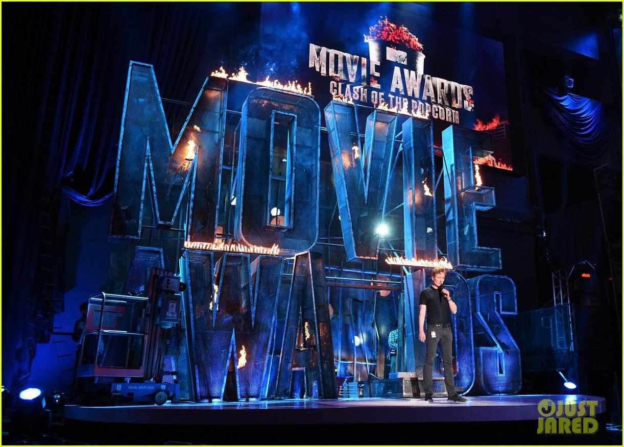 mtv movie awards 2014 conan obrien ellie goulding rehearse 073090338