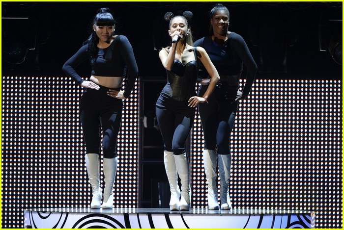 ariana grande radio disney music awards 2014 033099824