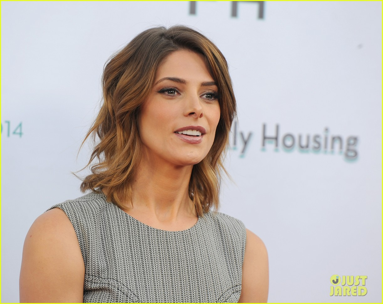 ashley greene wants to end homelessness for thousands of families 013099158