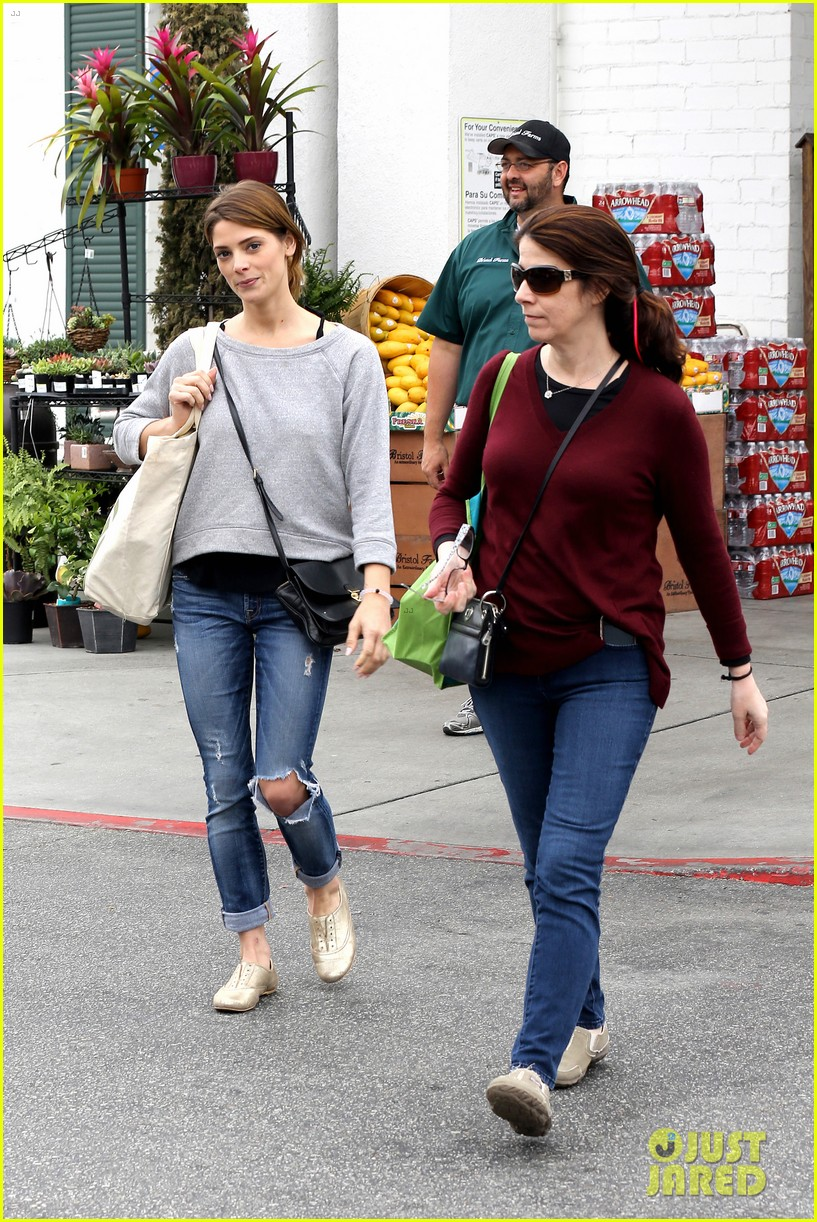 ashley greene spends weekend with mother michele 033100664