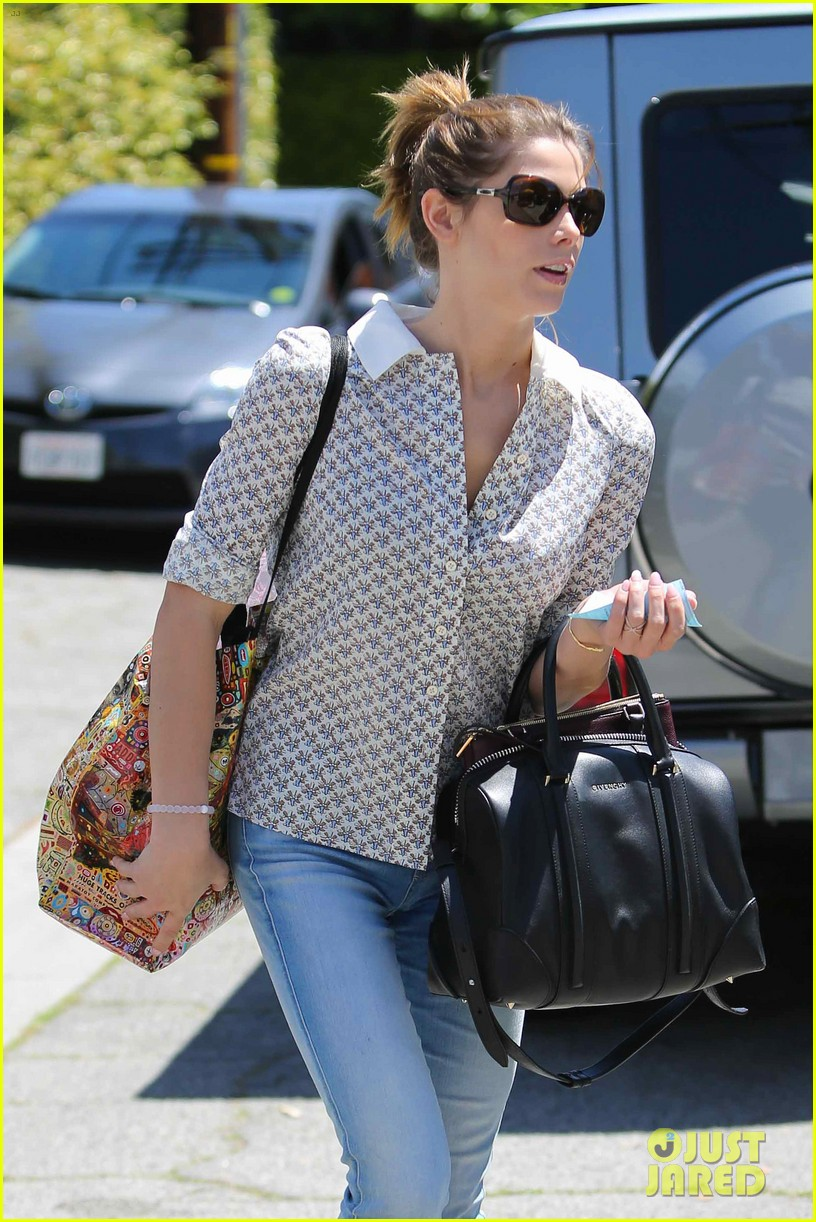 ashley greene spends weekend with mother michele 063100667