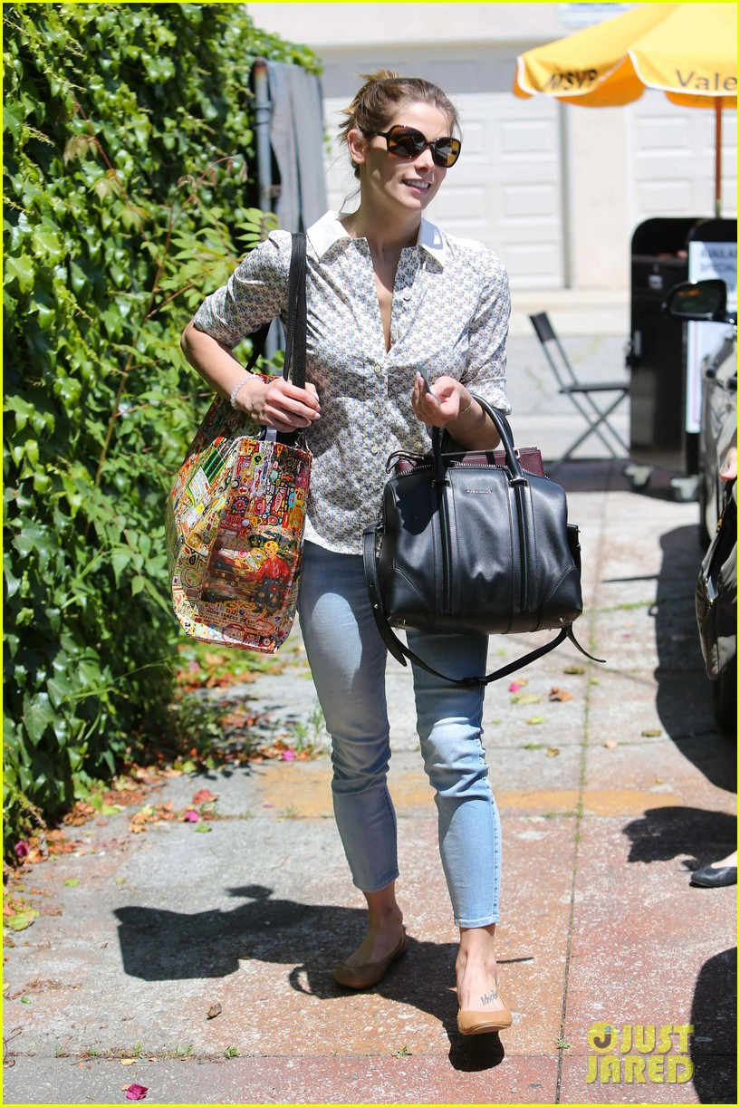 ashley greene spends weekend with mother michele 073100668