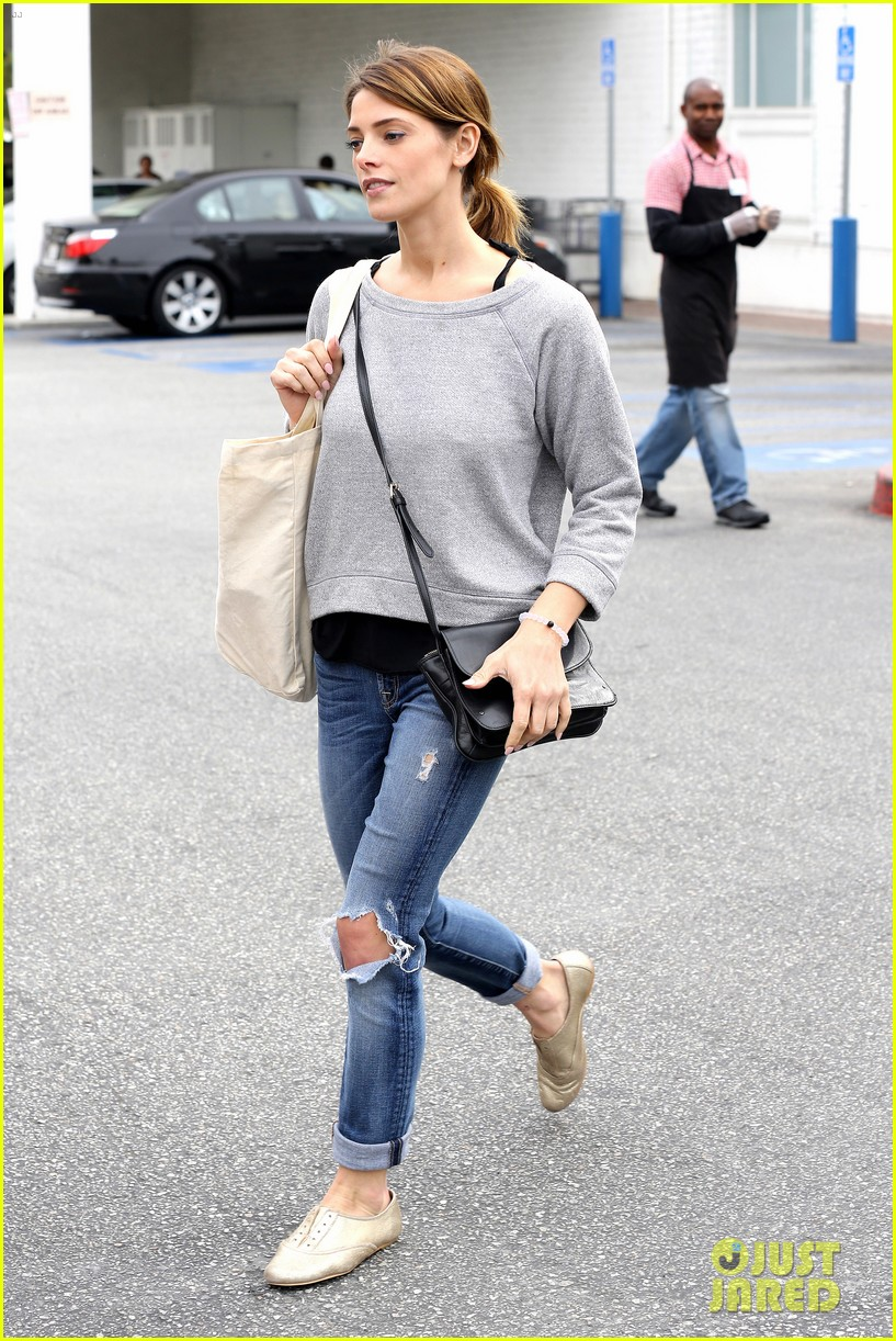 ashley greene spends weekend with mother michele 083100669