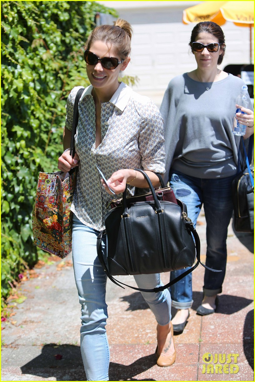 ashley greene spends weekend with mother michele 09
