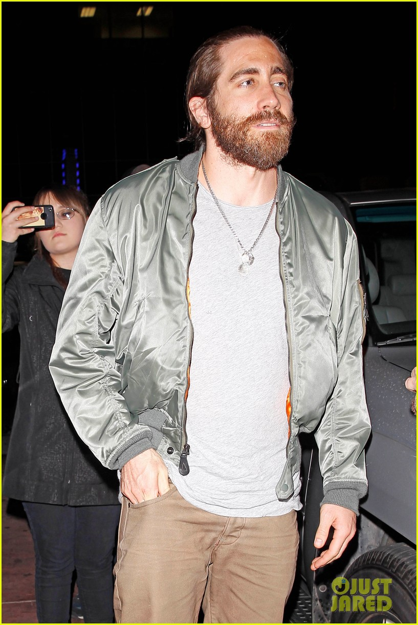 jake gyllenhaal aaron paul are easy on the eyes at arcade fire concert 023096639
