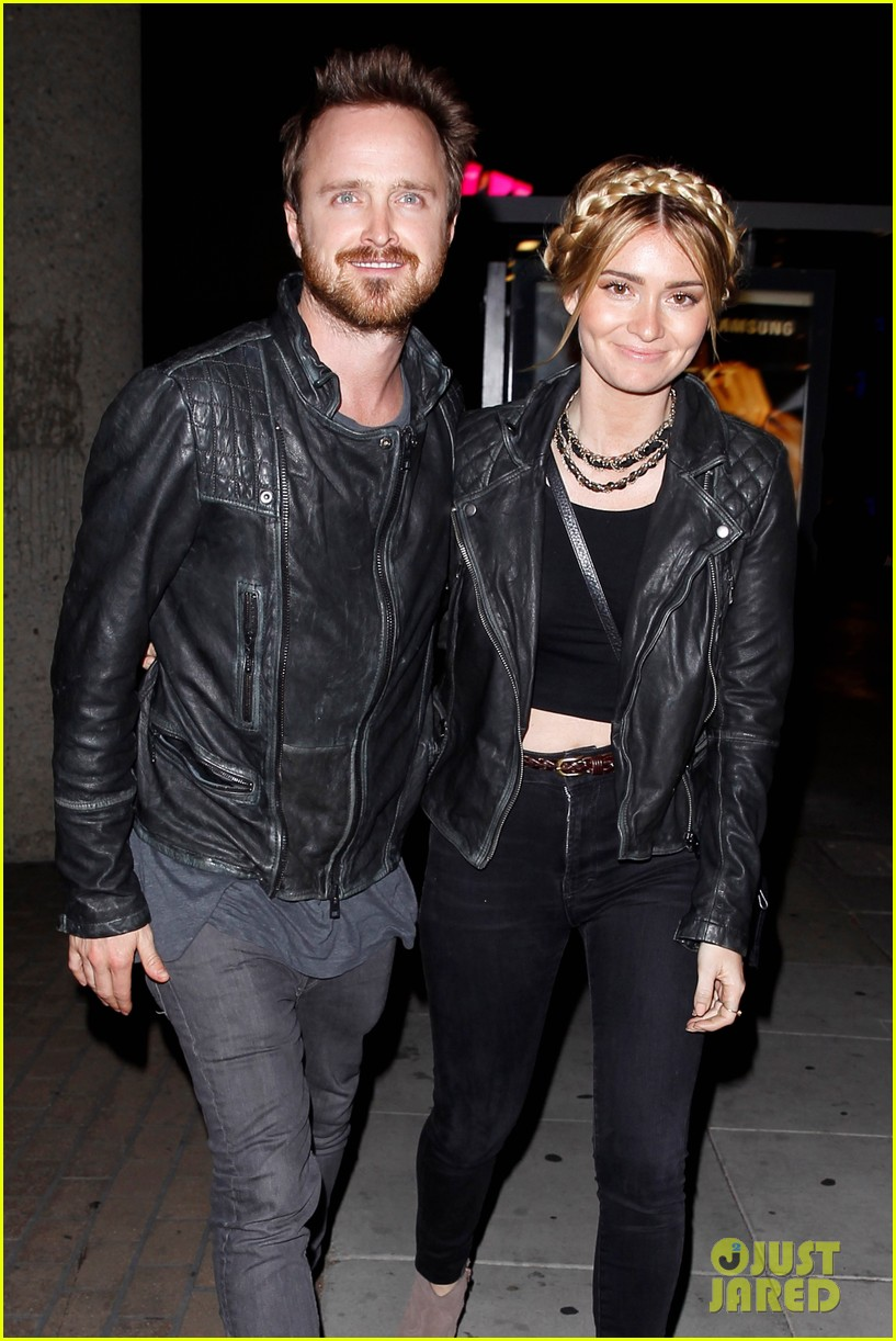 jake gyllenhaal aaron paul are easy on the eyes at arcade fire concert 063096643