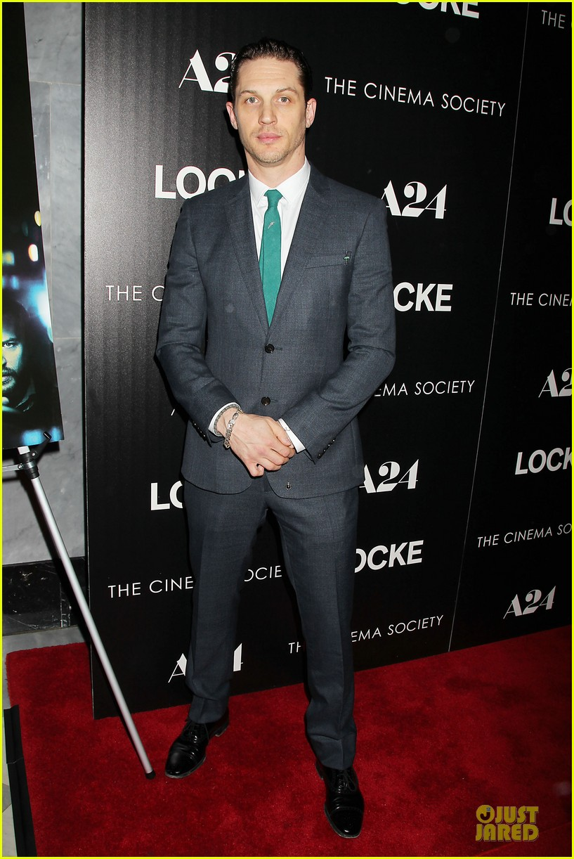 tom hardy sports green tie at locke premiere 013097089