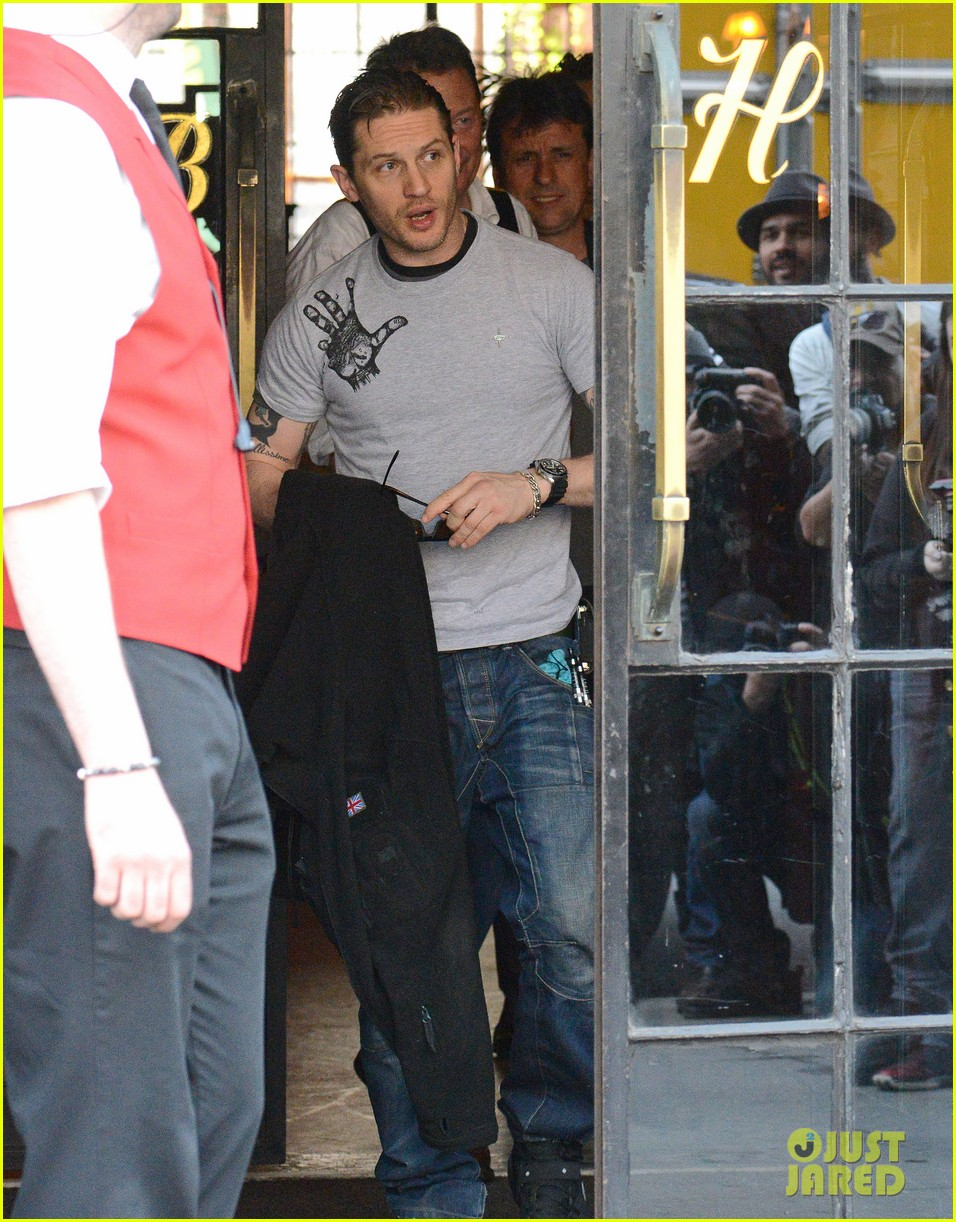 tom hardy on playing elton john i cant hold a tune to save my life 023096731