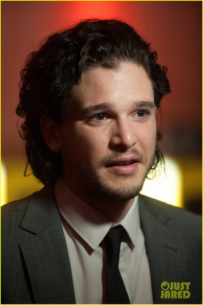 kit harington suits up after crazy game of thrones episode ending 033100794