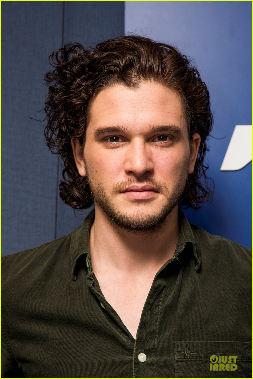 kit harington muscles rolling stone cover 023099412