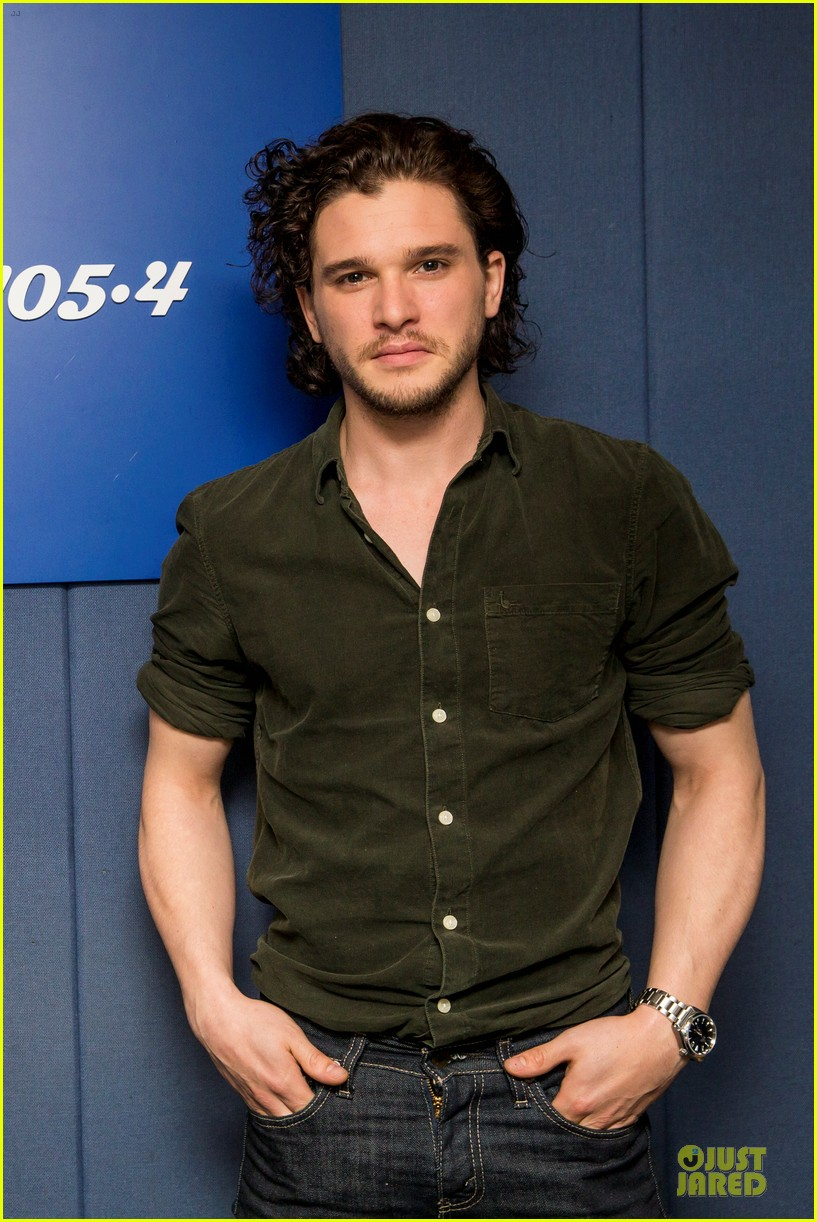 kit harington muscles rolling stone cover 043099414