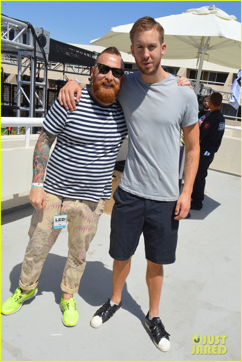 calvin harris performs energetic set at coachella 2014 153092120