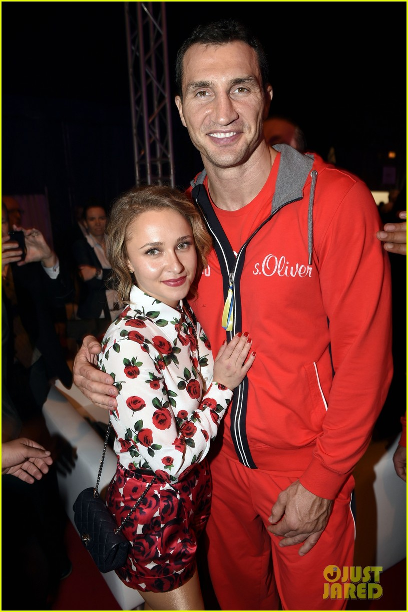 hayden panettiere flies germany watch fiance wladimir klitschko fight 033100375