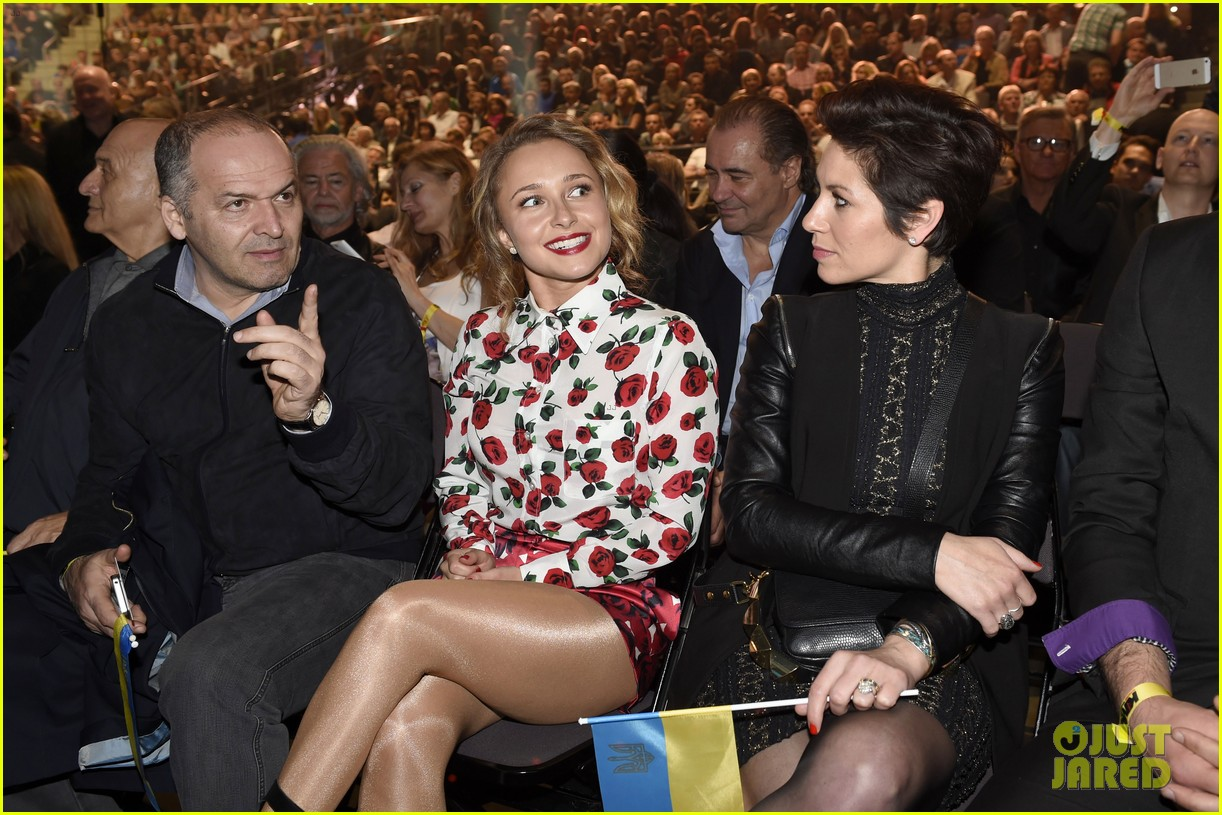 hayden panettiere flies germany watch fiance wladimir klitschko fight 043100376