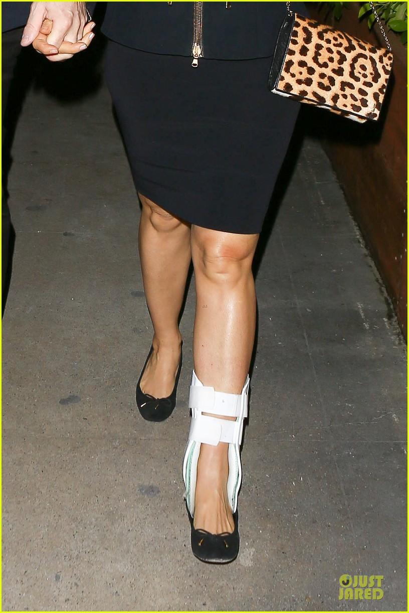 salma hayek can still look classy with ankle brace 023094722