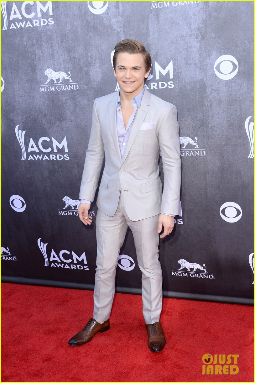 hunter hayes acm awards 2014 red carpet 08
