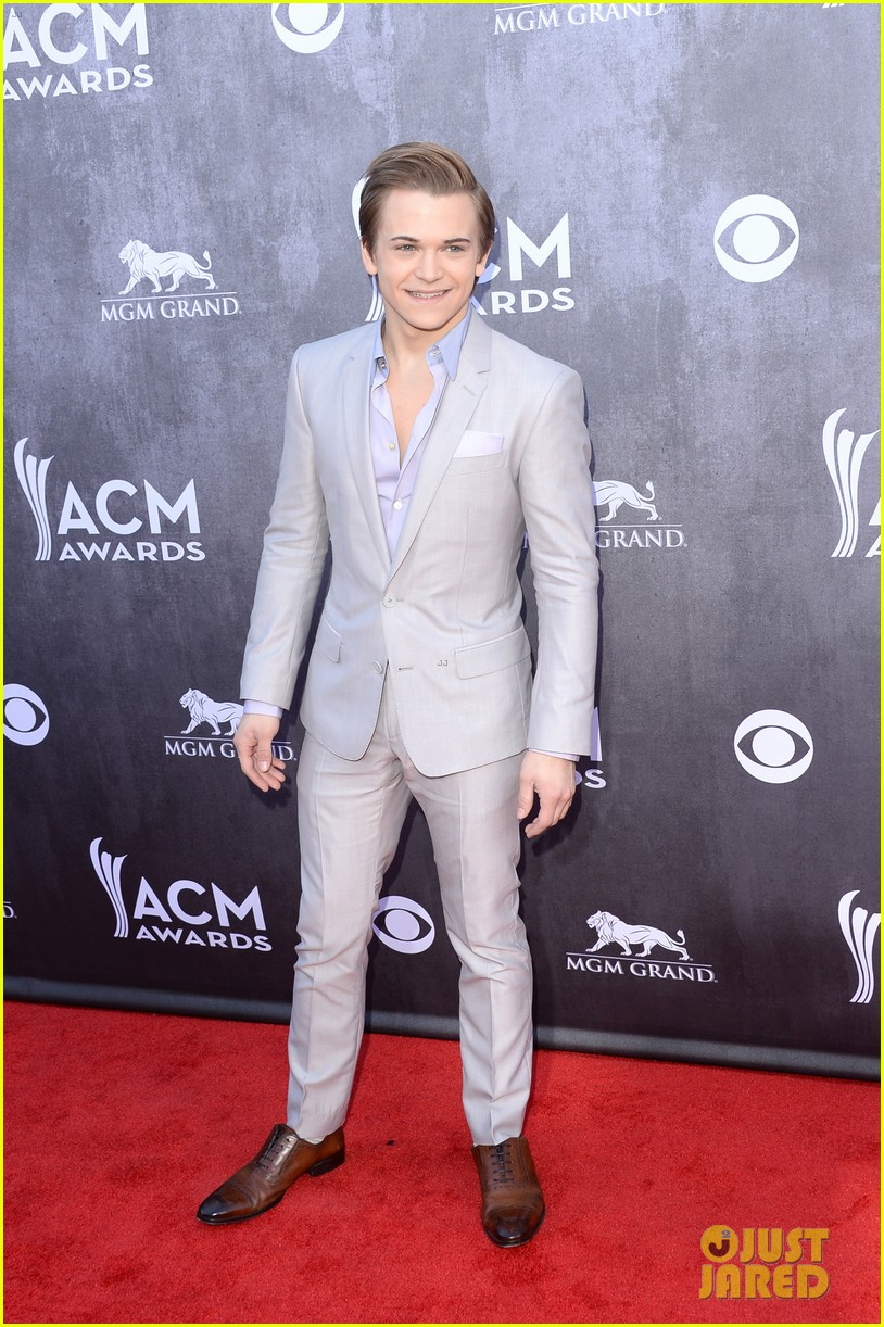 hunter hayes acm awards 2014 red carpet 093085708