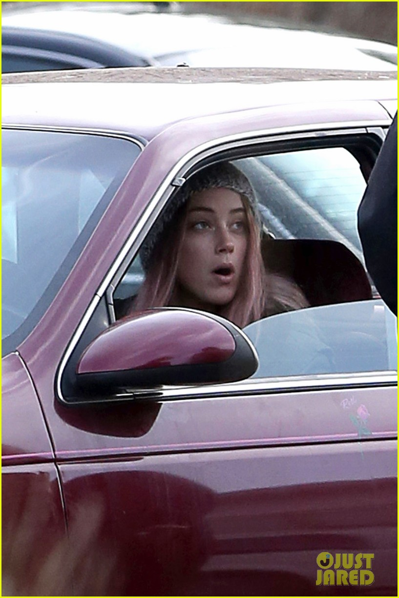amber heard back to work after partying with gal pals 043093407