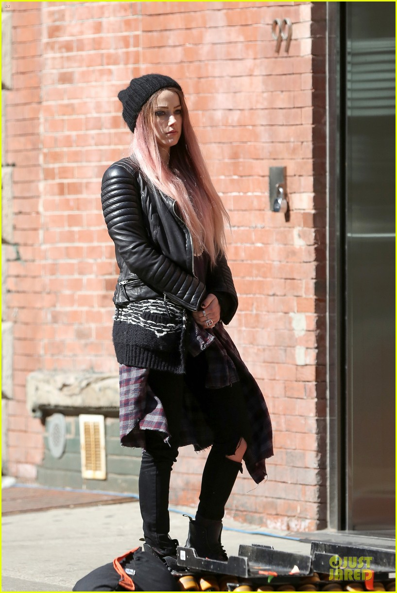 amber heard gothic persona moves us 213096974