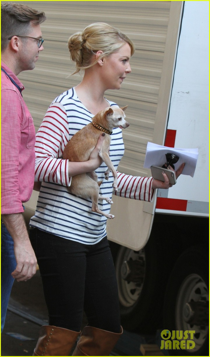 katherine heigl ventures off with mother after wrapping up state of affairs pilot 043092701