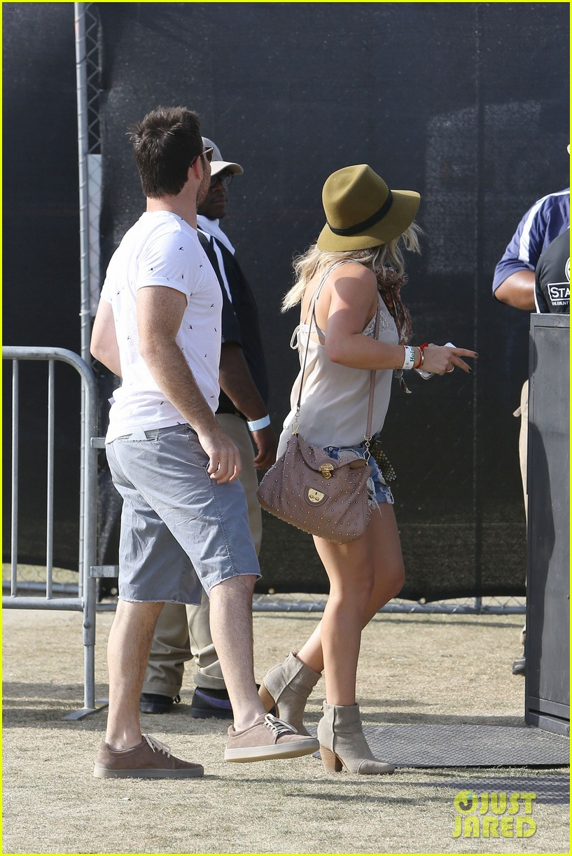 hilary duff mike comrie backstage coachella musica festival 2014 053090434